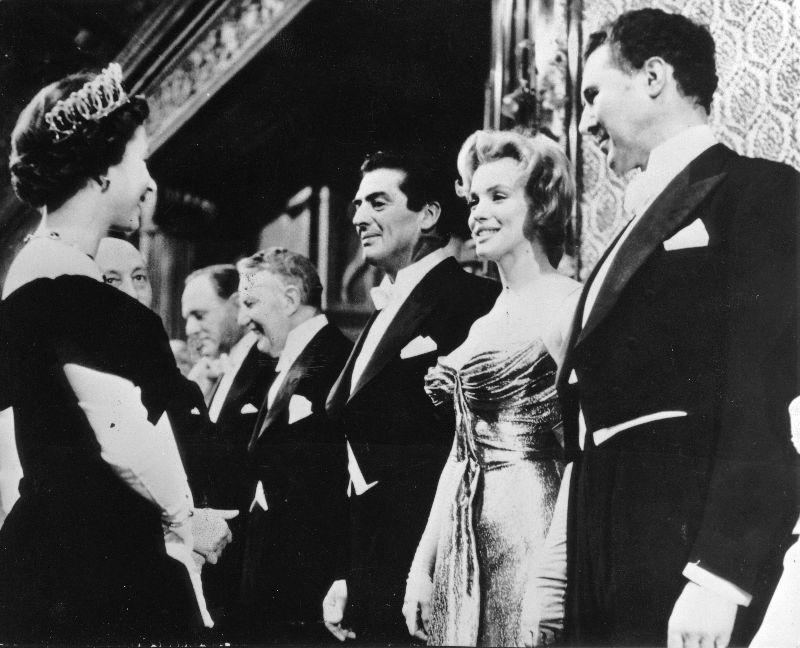 Королева Елизавета II и Мэрилин Монро, 1956 год