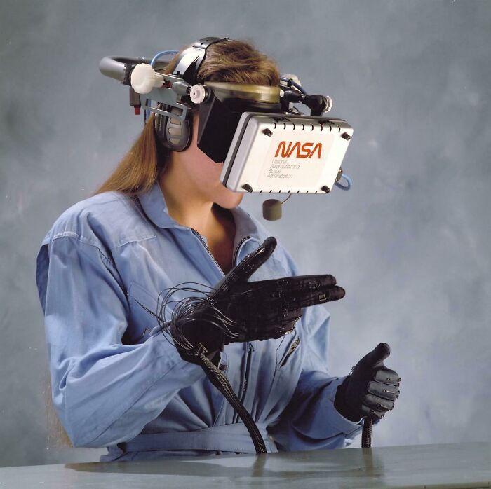 Технологии виртуальной реальности в 1989 году