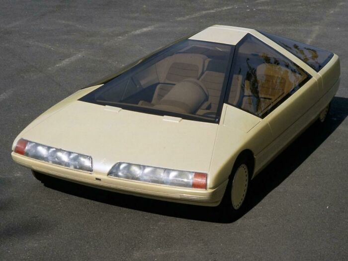 Очень футуристический концепт-кар Citroën Karin 1980 года