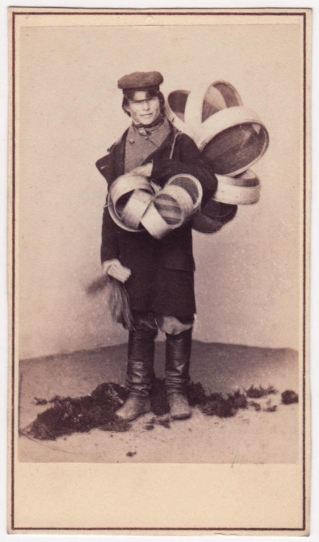 Продавец сито. Фотограф: Альфред Лоренс