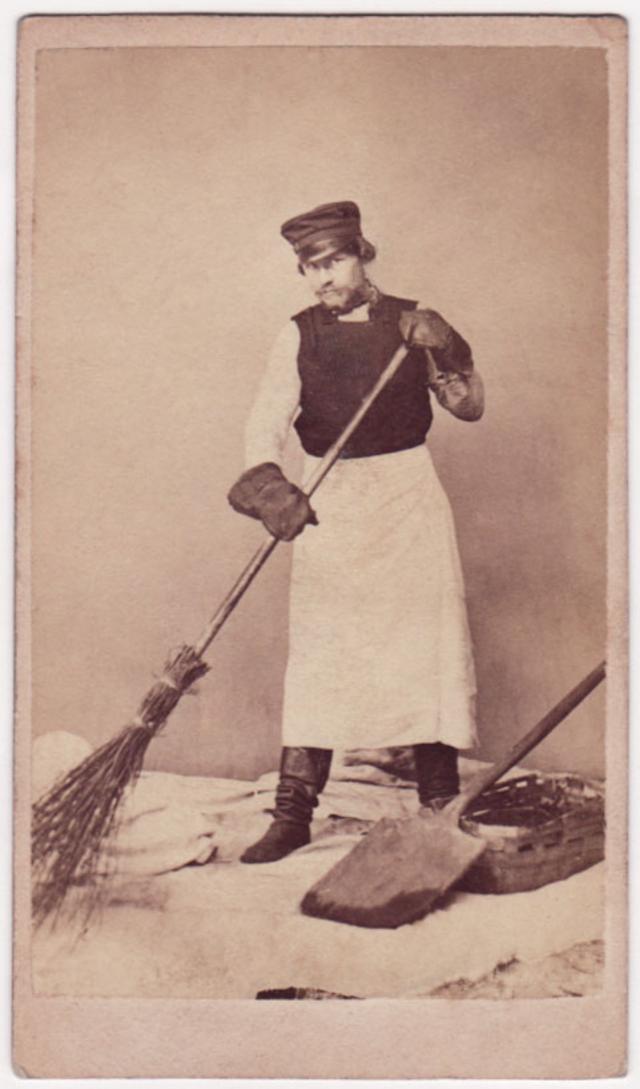 Домработник. Фотограф: Дж. Монштейн