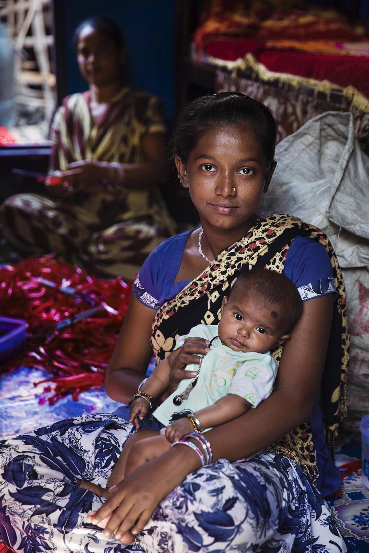 Табассум переехала сюда из Бангладеш в надежде на лучшую жизнь своей дочери (Калькутта, Индия)