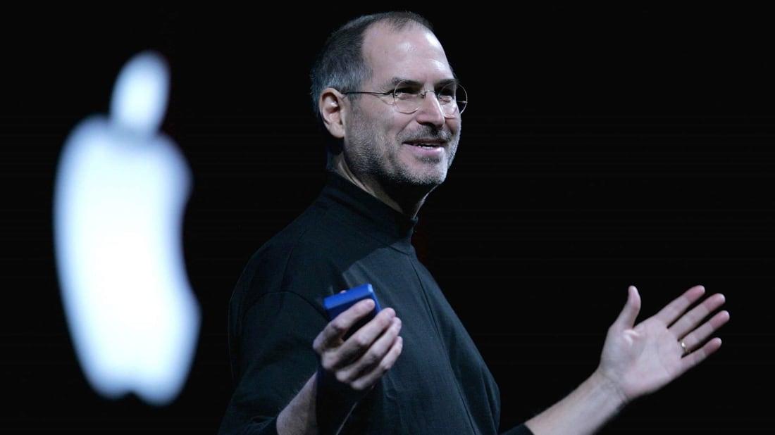 Генеральный директор Apple Стив Джобс выступает с докладом на выставке Macworld Expo 2005 в Сан-Франциско, США