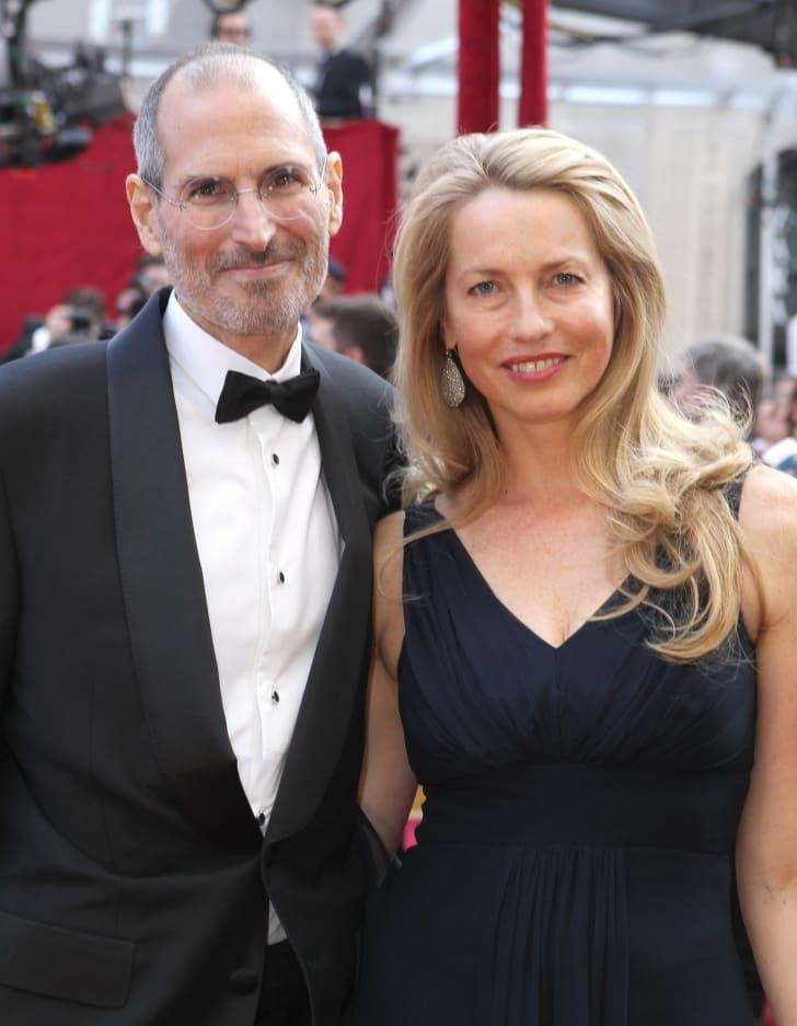 Стив Джобс и его жена Лорен Пауэлл прибыли на 82-ю ежегодную церемонию вручения премии Оскар в 2010 году