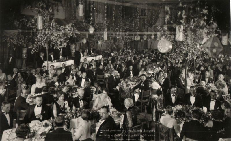 Банкет 1-й церемонии вручения премии «Оскар» 16 мая 1929 года в отеле «Голливуд Рузвельт»