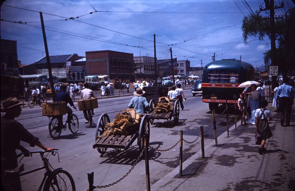 Цветные фотографии повседневной жизни Южной Кореи 1950-х годов