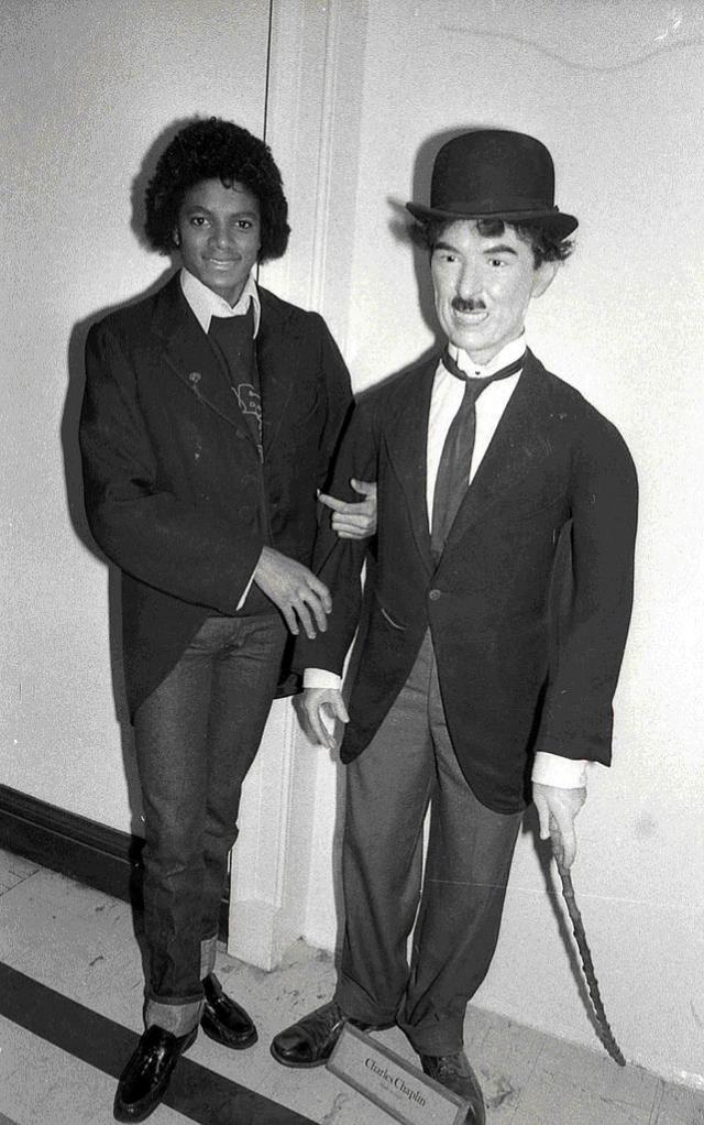 Майкл Джексон в образе своего кумира Чарли Чаплина, 1979 год