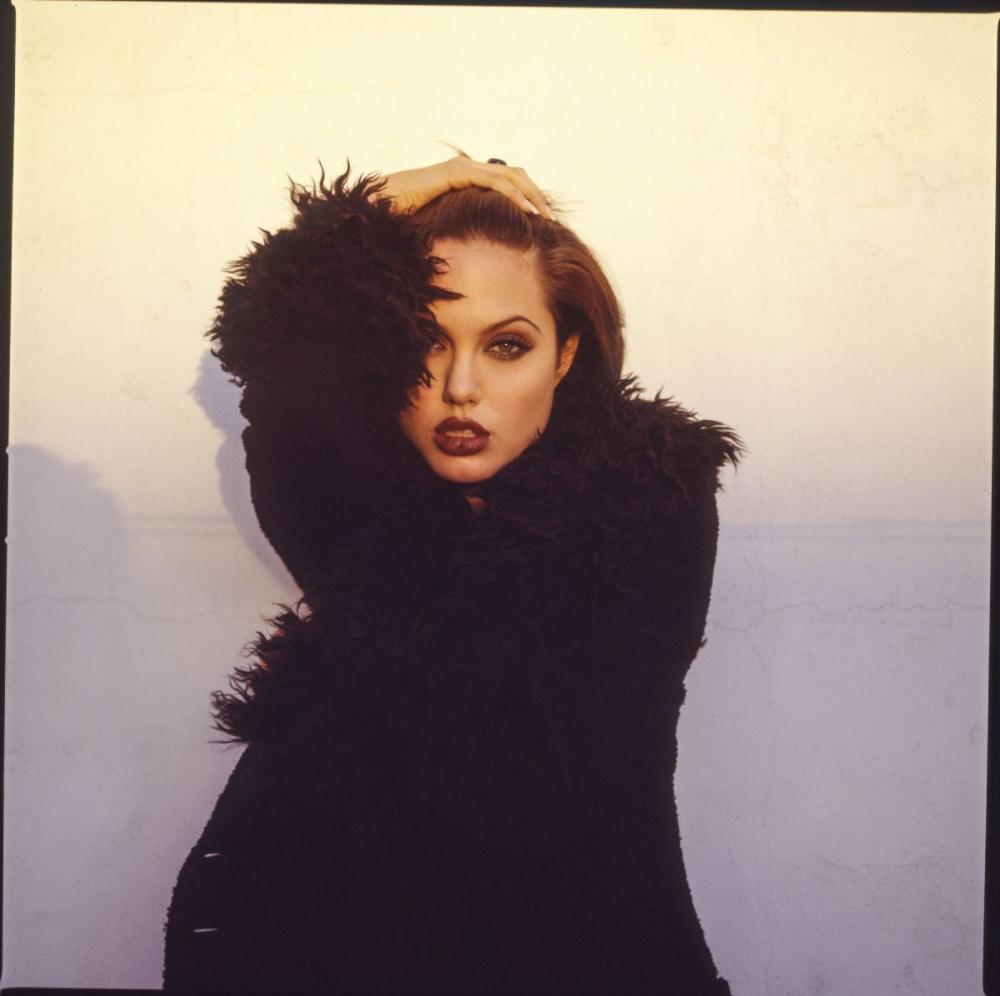 Анджелина Джоли в 1995 году
