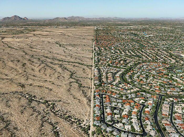 До и после превращения пустыни в бездушный пригород пустыни. Это единое фото Аризоны, США