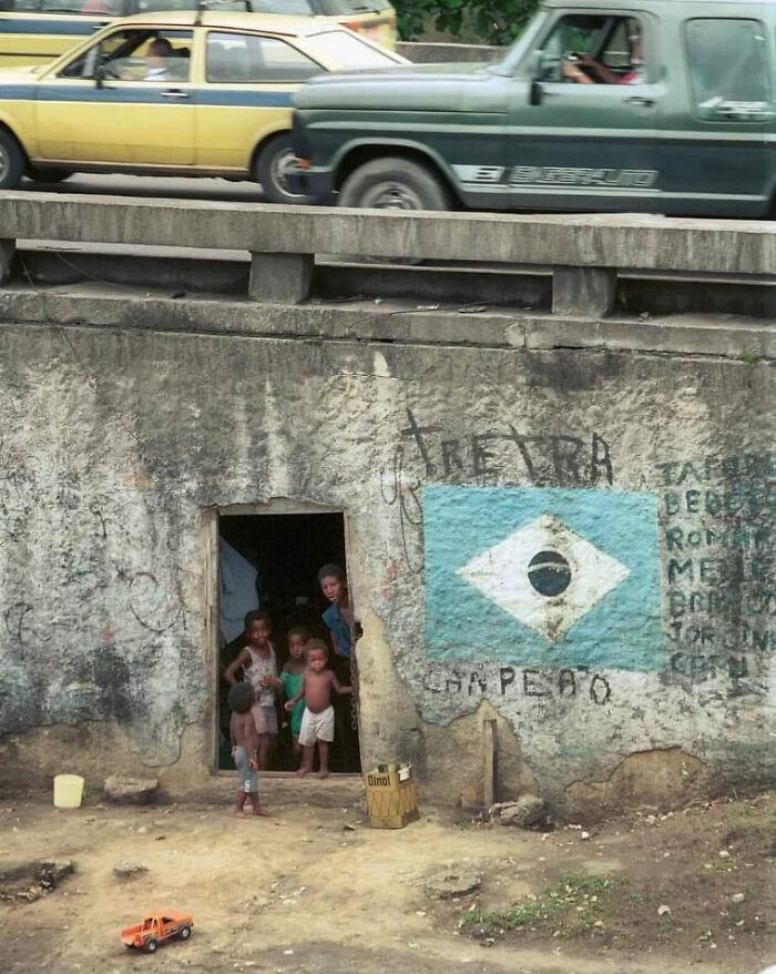 Где-то в Бразилии в 90-х