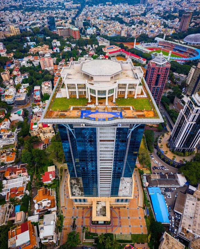 Особняк миллиардера Виджая Малли на вершине небоскреба в Бангалоре, Индия