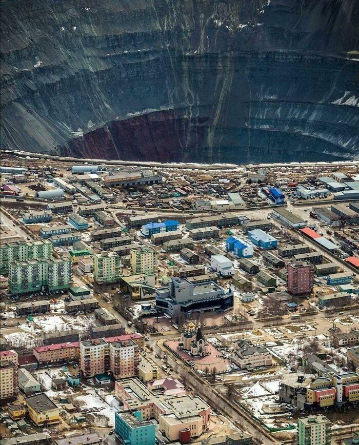 Мирный в Сибири, Россия