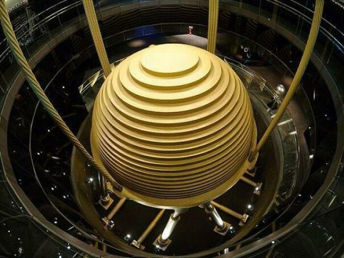Инерционный демпфер небоскреба Тайбэй 101