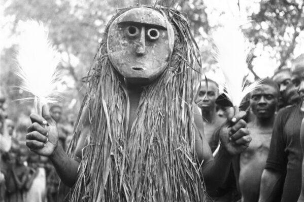 Винтажные фотографии маскарадных танцоров в Нигерии начала 20 века