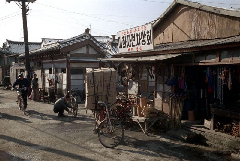 Красочные фотографии Сеула в начале 1970-х