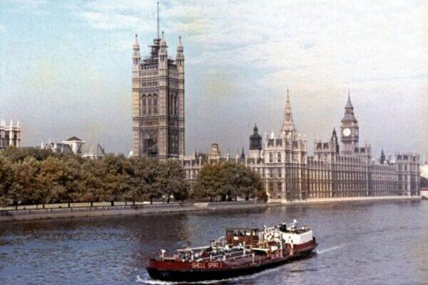 Лондон в 1950-х годах на удивительных цветных фотографиях