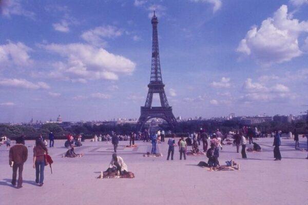 Удивительные цветные фотографии уличных пейзажей Парижа конца 1970-х годов