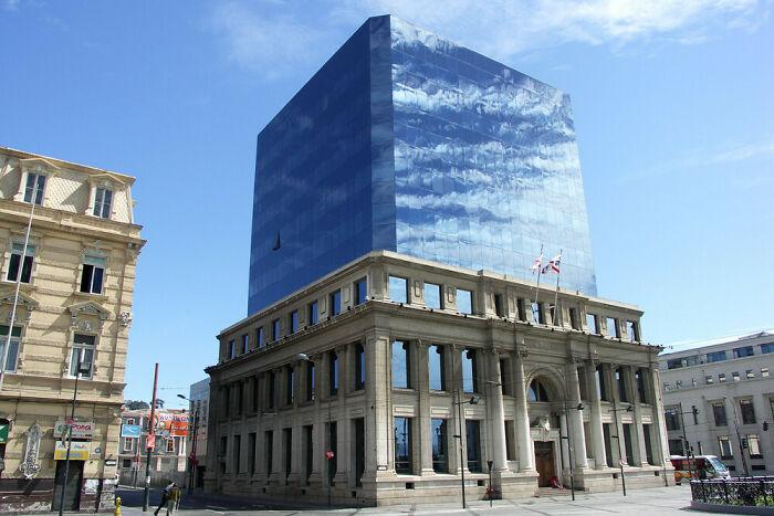 Великолепное здание в Чили