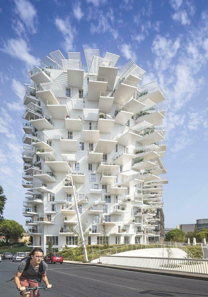 Башня Су Фудзимото «L'Arbre Blanc» в Монпелье, Франция