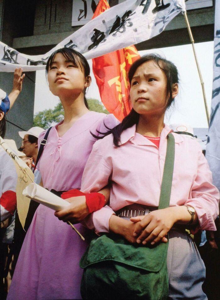 Не типичный вид на протесты на площади Тяньаньмэнь