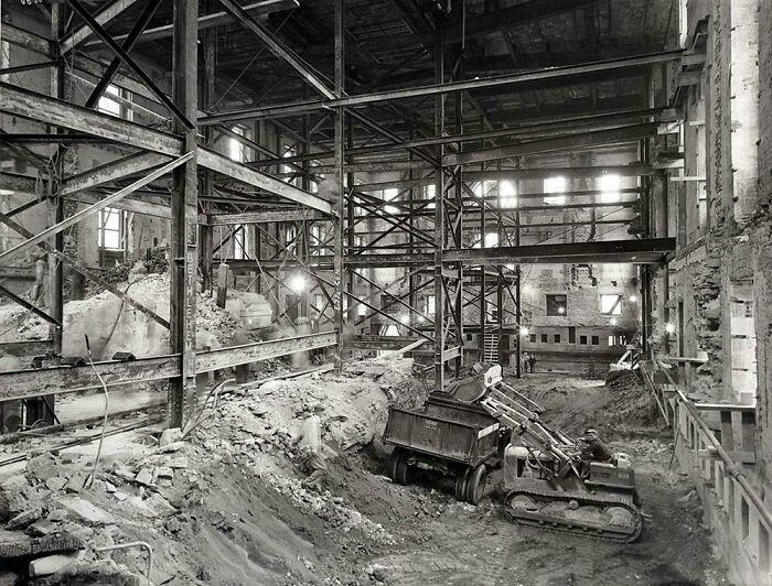 Белый дом во время реконструкции Трумэна в 1950 году