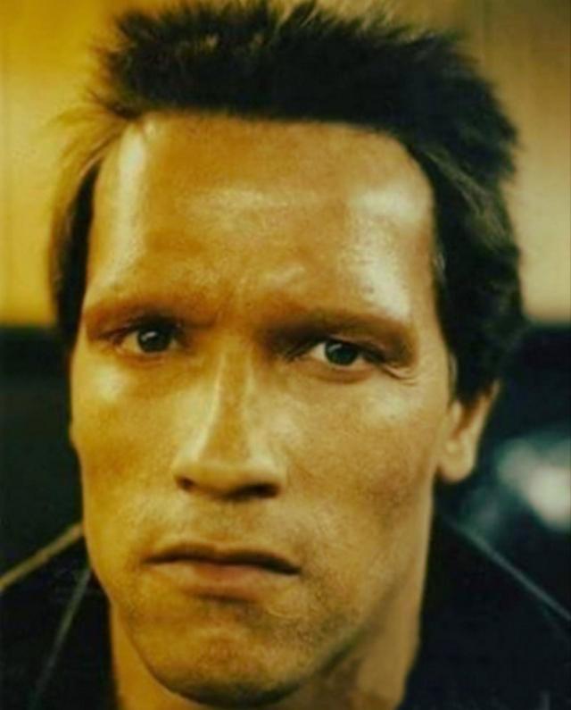 Закулисные фотографий Арнольда Шварценеггера на съёмках «Терминатора» в 1984