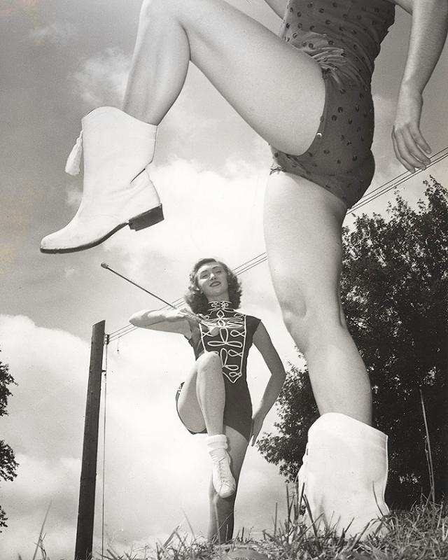 Снимки людей, фотографирующих свои ноги