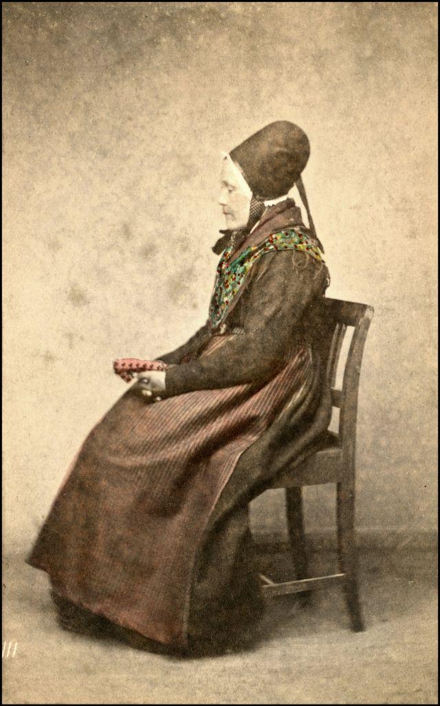 Норвежский костюм. Женщина из Йёльстера, около 1870-х годов