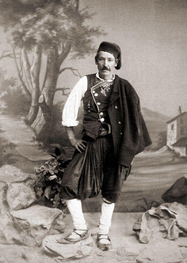 Традиционный средиземноморский мужской костюм, около 1890-х годов